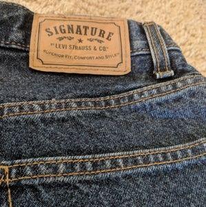 EUC signiature Levis denim jeans 30 x 30